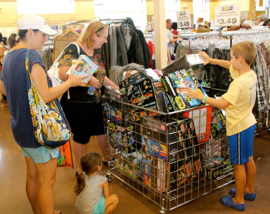 huntersville, grand opening, shopping, thrift store, shopper