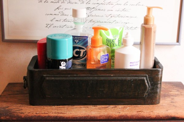 3-Toiletries_Drawer