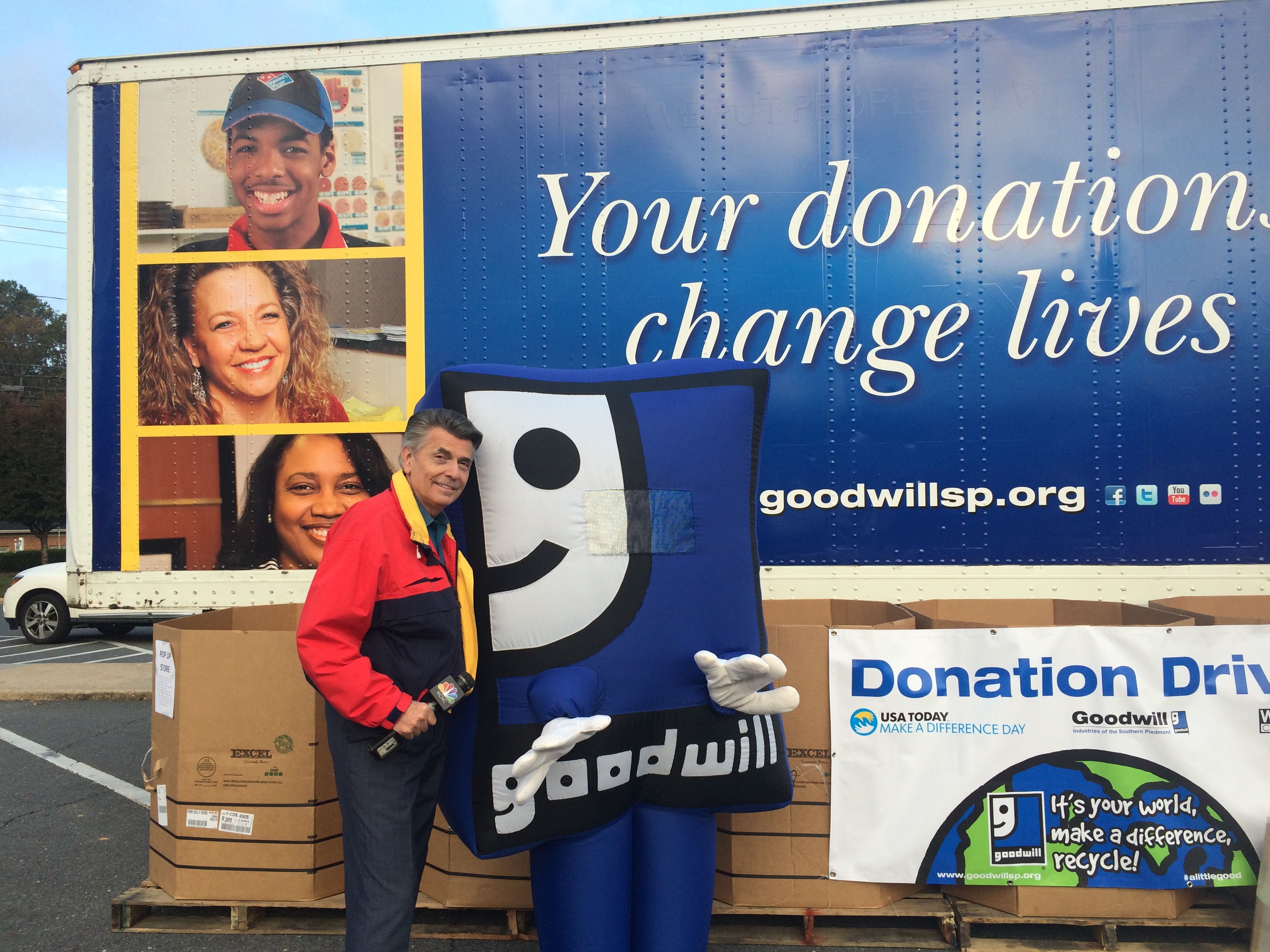 Wcnc Tv Hosts Make A Difference Day With Goodwill Wow Goodwill